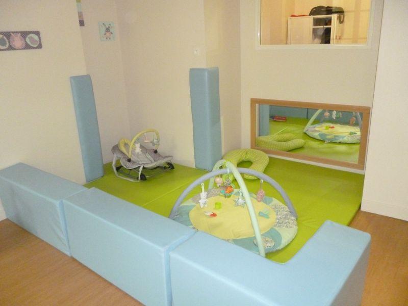 locaux cocon d 39 toiles. Black Bedroom Furniture Sets. Home Design Ideas